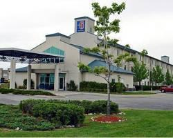 Motel 6 Toronto Mississauga