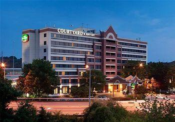 Courtyard by Marriott Alex