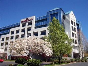 Crowne Plaza Portland Lake Oswego