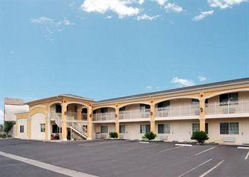 Photo of Econo Lodge Inn & Suites Garden Grove