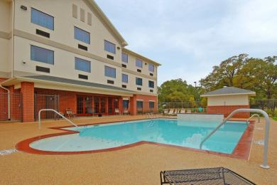 Photo of BEST WESTERN Franklin Inn & Suites