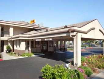 Vagabond Inn Executive Salinas Hotel