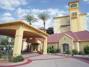 ‪La Quinta Inn & Suites Phoenix Mesa West‬