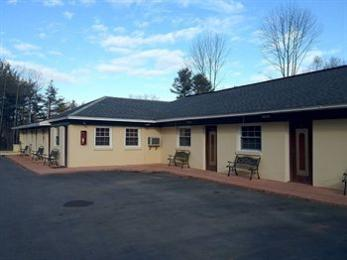 Photo of Crest Inn Suites & Cottages Wilton
