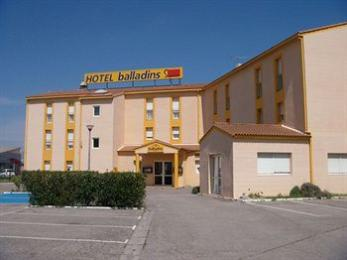 Photo of Balladins Superior Hotel Arles
