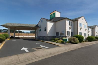 ‪America's Best Inn & Suites Lincoln City‬