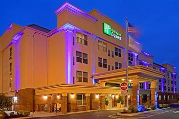 Photo of Holiday Inn Express Woodbridge Avenel