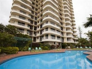 Photo of Capricornia Apartments Broadbeach