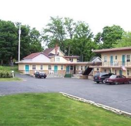 Photo of Economy Inn Cadillac