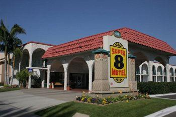 ‪Super 8 Anaheim/Near Disneyland‬