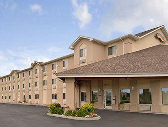 Baymont Inn & Suites - Toledo/Maumee