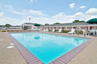 BEST WESTERN Gun Barrel City Inn