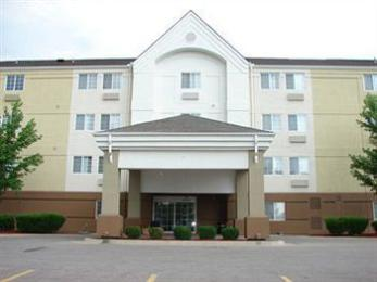 Candlewood Suites Topeka