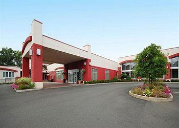 Clarion Hotel & Suites Hamden