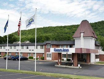Photo of Days Inn Berlin Ct