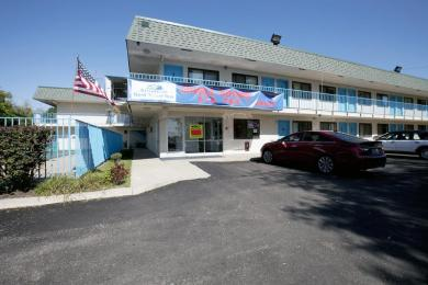 Americas Best Value Inn & Suites-Walker/Grand Rapids North