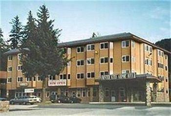 Frontier Suites Airport Hotel