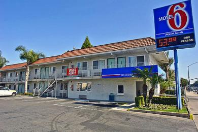 ‪Motel 6 Los Angeles - Long Beach‬