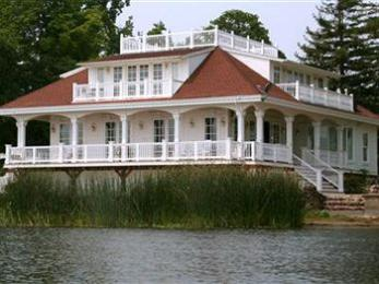 ‪Clear Lake Bed and Breakfast‬