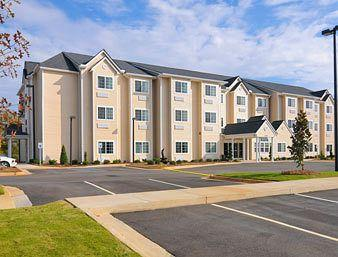 ‪Microtel Inn & Suites by Wyndham Ozark‬