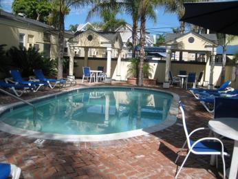 Coronado Island Inn