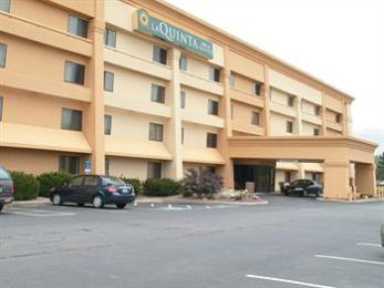 La Quinta Inn & Suites Mansfield