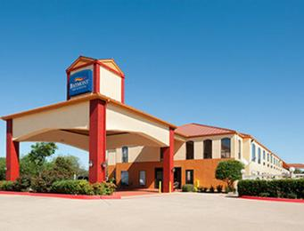 Photo of Baymont Inn & Suites Ennis