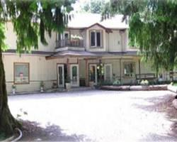 Photo of Cedar Wood Lodge Bed & Breakfast Inn & Conference Center Port Alberni
