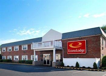 ‪Econo Lodge Inn & Suites Airport‬