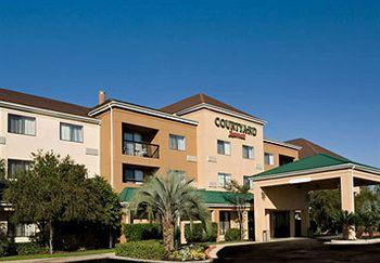 Courtyard by Marriott Beaumont