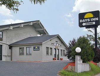Days Inn West Allis