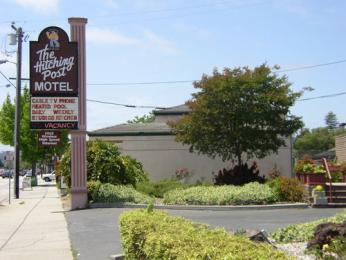 Hitching Post Motel