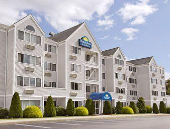 Days Inn and Suites Groton