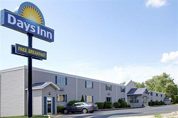 Photo of Days Inn Cedar Falls-University Plaza