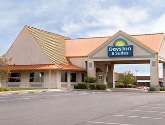 Photo of Days Inn and Suites Kokomo