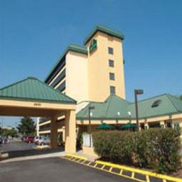 Photo of La Quinta Inn & Suites Virginia Beach