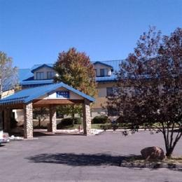 Photo of Eagle Lodge & Suites