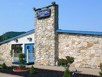 Travelodge Roanoke North