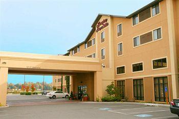 Photo of Hampton Inn & Suites Burlington