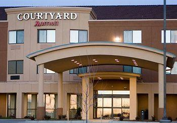 ‪Courtyard by Marriott Salina‬