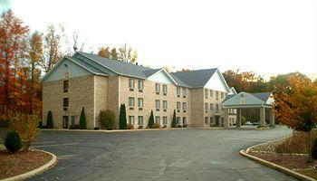 ‪Baymont Inn & Suites New Buffalo‬