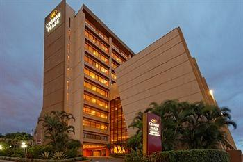 Crowne Plaza Hotel Corobici