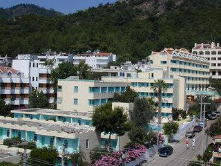 Hotel Banu and Apartments