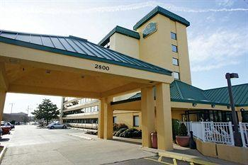 La Quinta Inn & Suites Virginia Beach