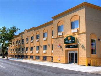 La Quinta Inn & Suites JFK Airport