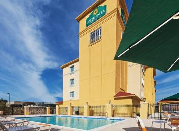 Photo of La Quinta Inn & Suites Ft. Worth East Fort Worth