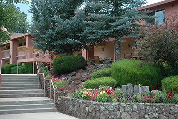 Quality Inn Mountain Ranch & Resort