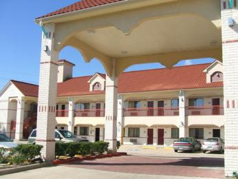 Scottish Inn & Suites Houston South