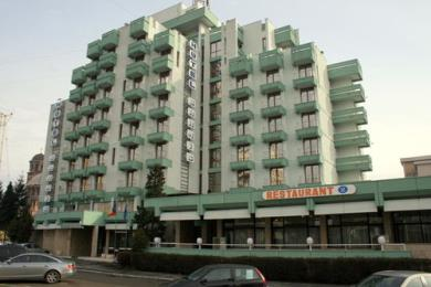 Sarmis Hotel