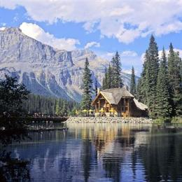 ‪Emerald Lake Lodge‬